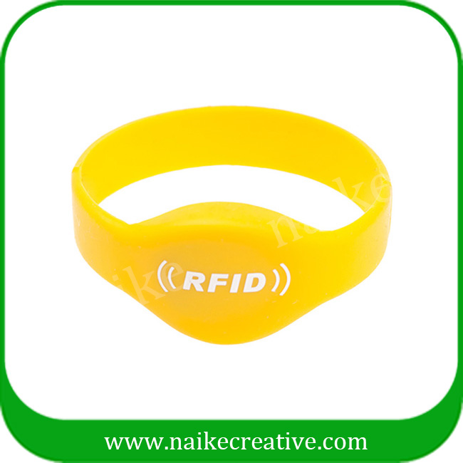 Hot selling rfid silicone wristband for swimming pool/entrance guard